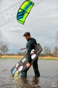 Le kitesurf est dans le pré